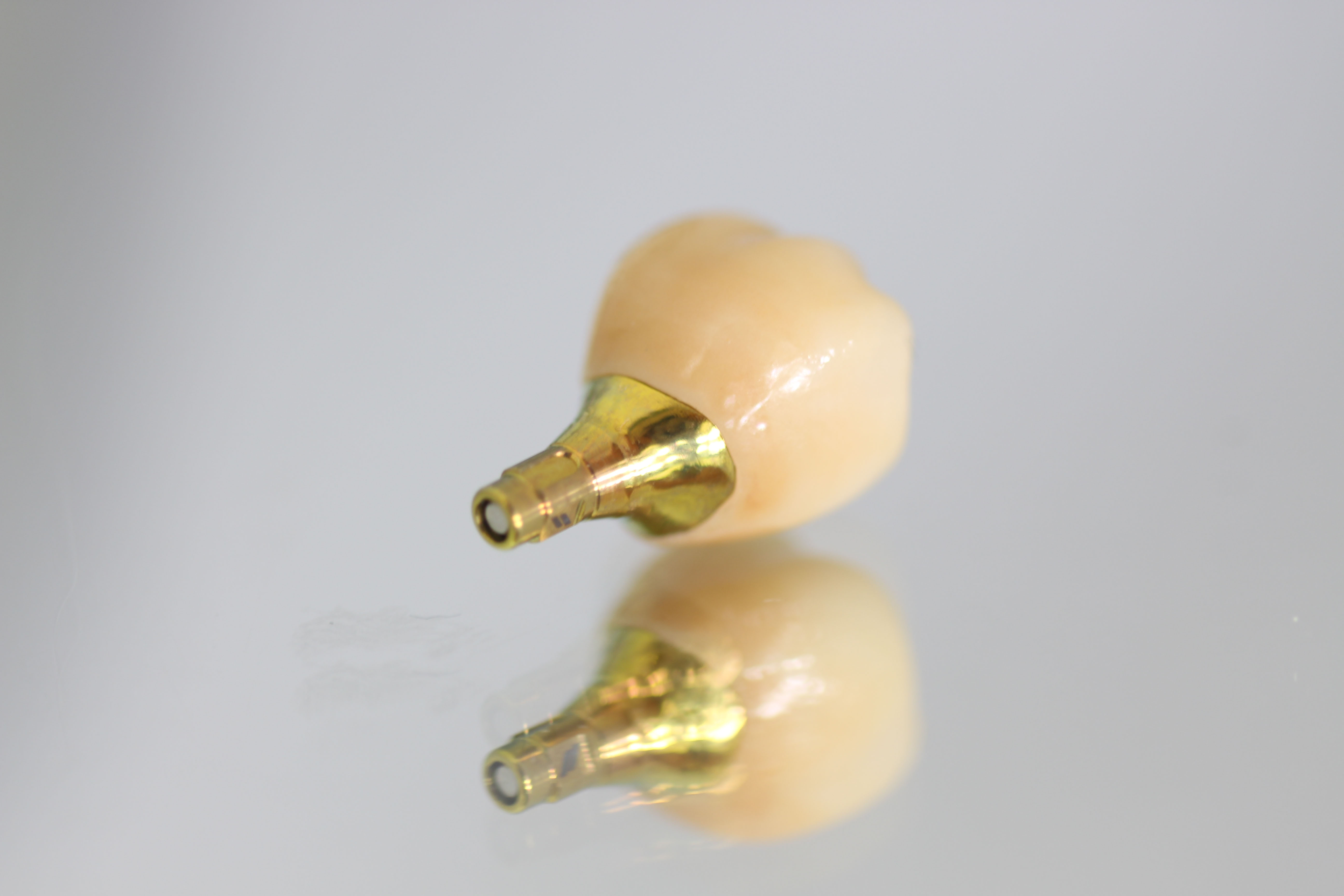 indiv-abutment-titan-implantec-anodisierung
